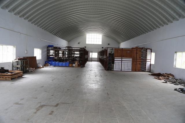 фото склада негабаритного груза (в Китае)